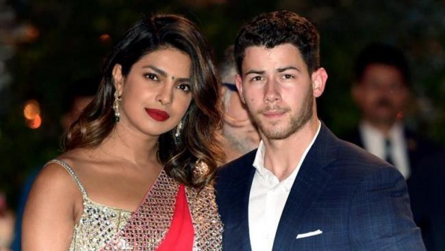 Priyanka Chopra To Marry Nick Jonas In September - Sakshi
