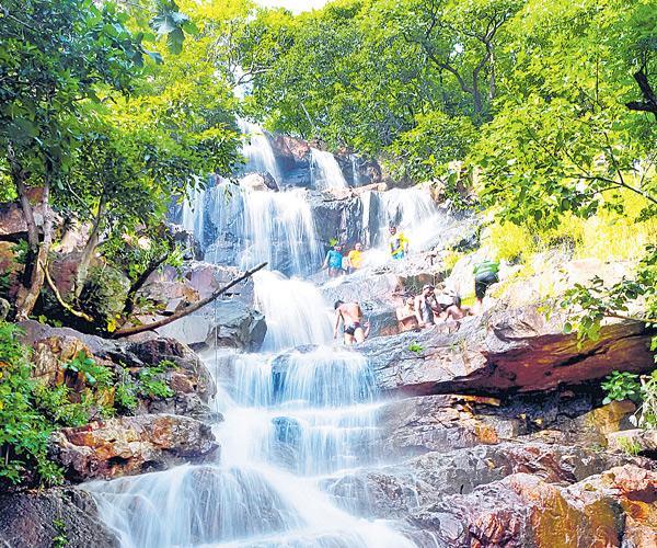 Tourist attraction Royal waterfall  - Sakshi