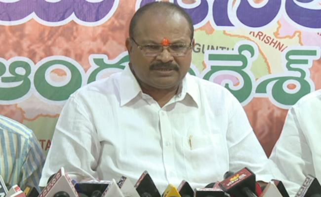 AP BJP President Comments On Chandrababu Over Kapu Reservations - Sakshi