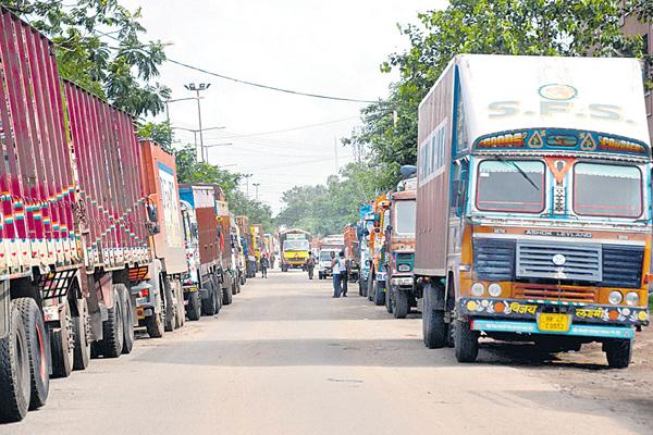 Today Transport Minister talks with the lorry owners - Sakshi