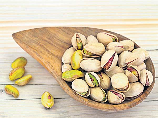 There are many precious nutrients in pistachio - Sakshi