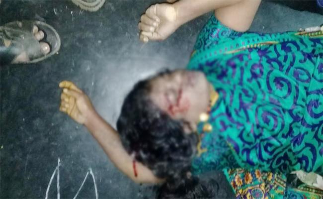 Husband Killed Wife In East Godavari - Sakshi