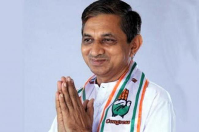 Gujarat Congress MLA Kunvarji Bavalia Join BJP And Became MP - Sakshi