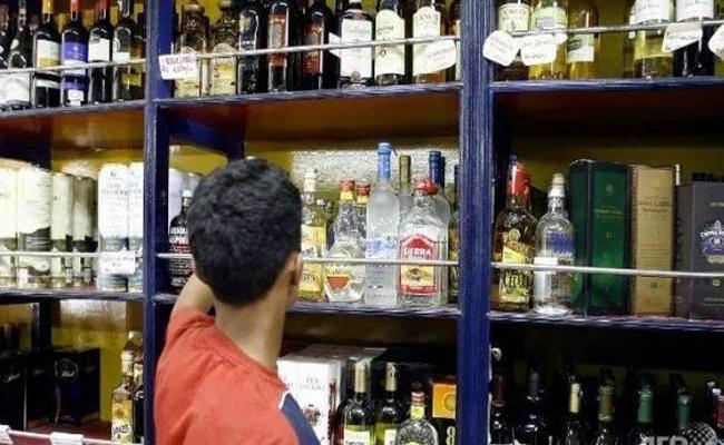 Excise department Demanding Bribes In PSR Nellore - Sakshi