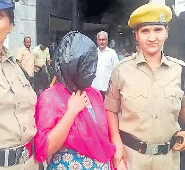 Woman arrested for kidnapping six-day-old girl  - Sakshi
