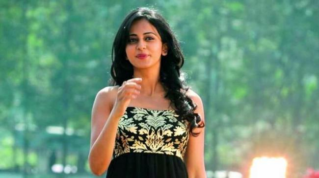 Rakul Preet Singh is striking the right balance - Sakshi