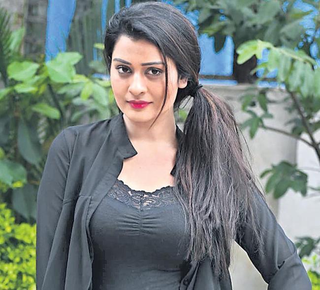 Payal Rajput Wants to Share Screen with prabhas - Sakshi