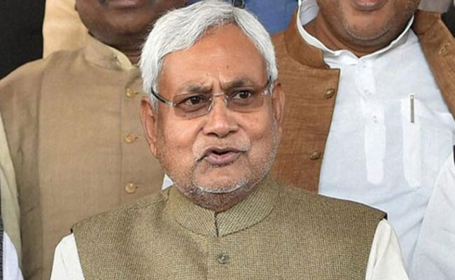 Nitish Kumar Says JDU Alliance Continue With BJP - Sakshi
