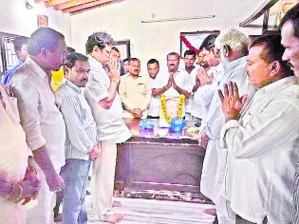 YS Rajasekhar Reddy Jayanthi Celebration In Karimnagar - Sakshi