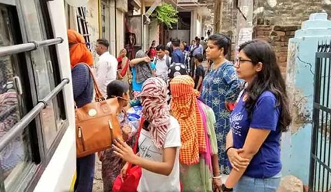 International Prostitution Racket Busted In Varanasi - Sakshi