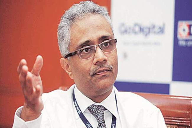 HDFC Bank Deputy Managing Director Paresh Sukthankar Resigns - Sakshi