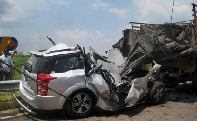 Editorial On Preventing Road Accidents In India - Sakshi