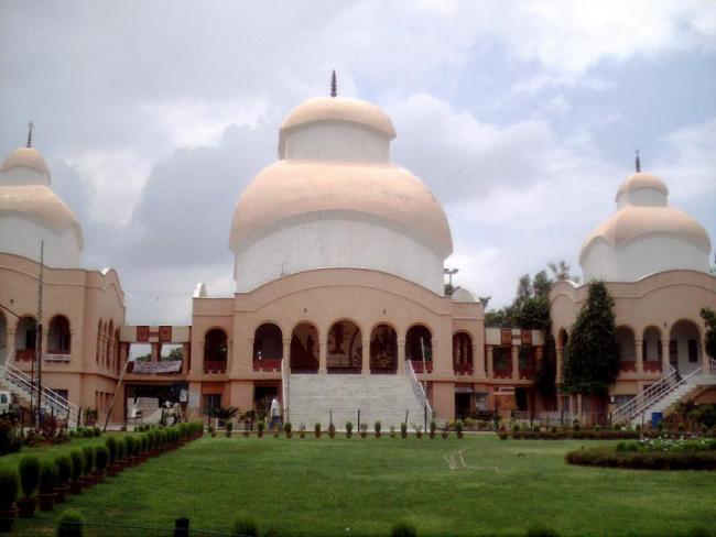 Delhi Temple Denies Last Rites Of The Woman Who Married Muslim - Sakshi