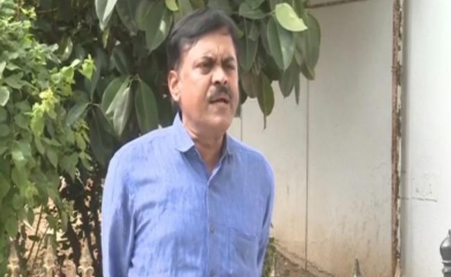 BJP MP GVL Narasimha Rao Letter To Governor Narasimhan - Sakshi