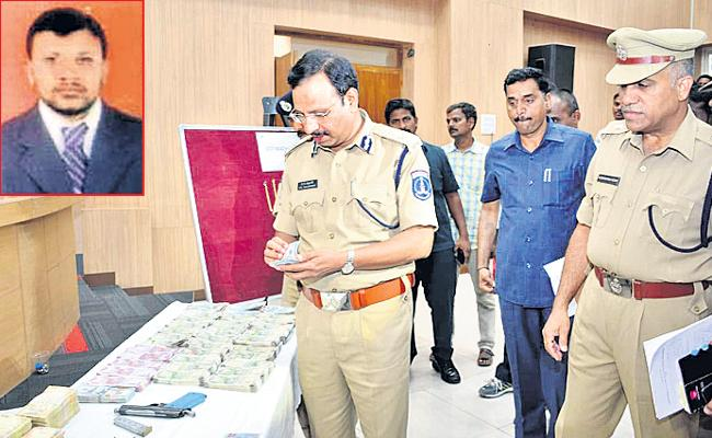 Fake Doctor Arrested In Gachibowli Hyderabad - Sakshi