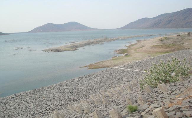 Prakasam Ramatheertham reservoir Dead Storage Soon - Sakshi