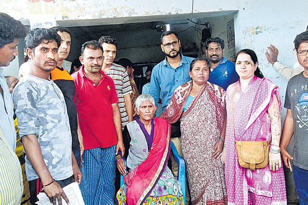 30 years ago disappeared mother - Sakshi