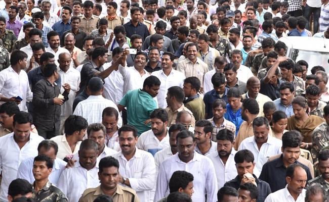 YS Jagan PrajaSankalpaYatra 237th Day Schedule Released - Sakshi