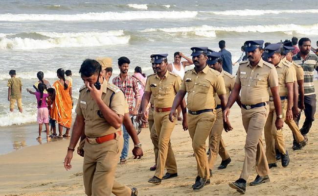 Weekly Off For Tamil nadu Police - Sakshi