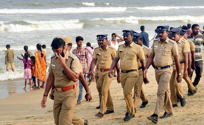 Weekly Off For Tamil nadu Police - Sakshi