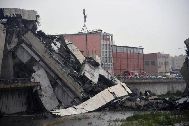 Highway Bridge Collapses Over Genoa City In Italty - Sakshi