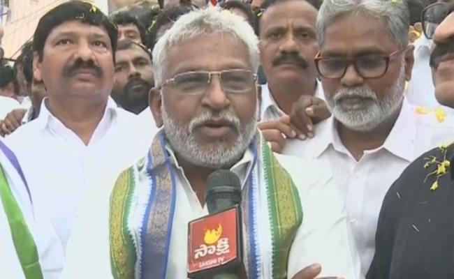 YV Subbareddy Slams Minister Devineni Uma In Mylavaram - Sakshi
