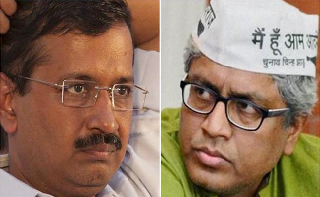 Arvind Kejriwal Rejects Ashutosh Resignation - Sakshi