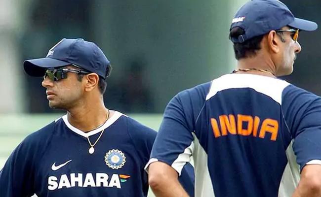 Cricket Fans Urges Bcci Sack Ravi Shastri Bring Rahul Dravid As Coach - Sakshi