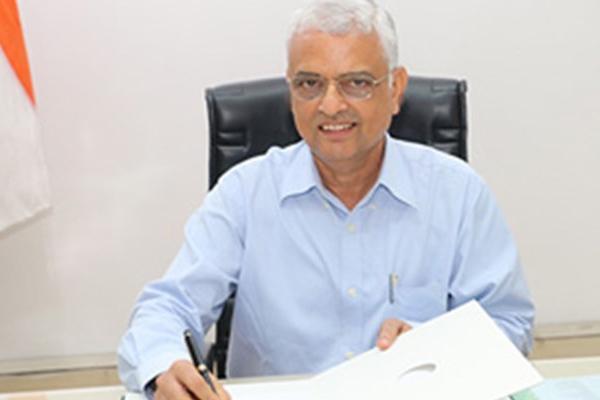CEC OP Rawat cites logistics hurdles to rule out simultaneous polls - Sakshi