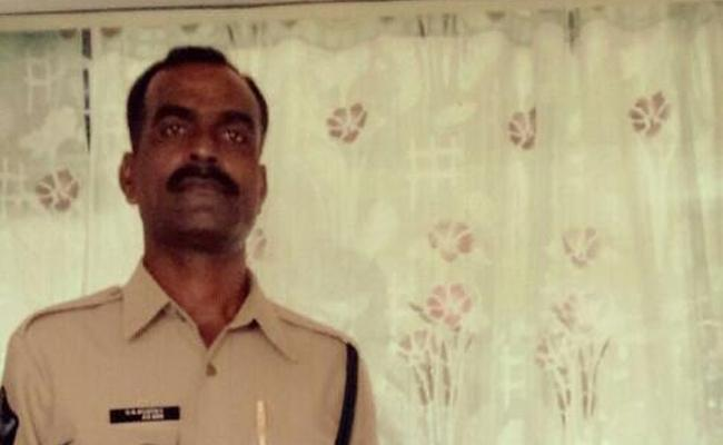 Constable Died With Heart Stroke In Anantapur - Sakshi