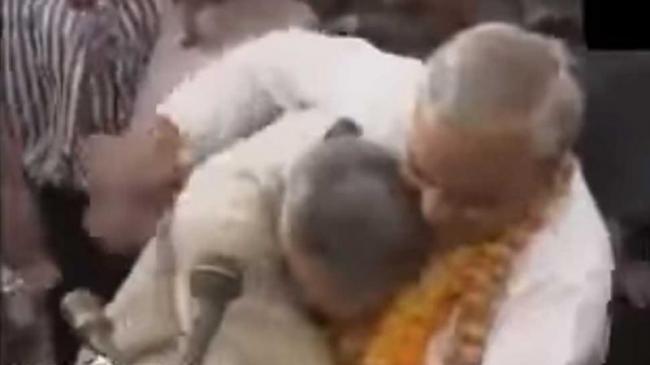Atal Bihari And Vajpayee Narendra Modi Rare Video - Sakshi