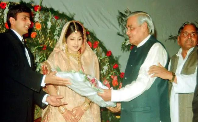 Shares Marriage Photo As He Remembers Atal Bihari Vajpayee - Sakshi