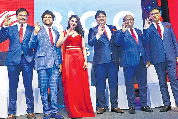100 'Big C' Outlets annually - Sakshi