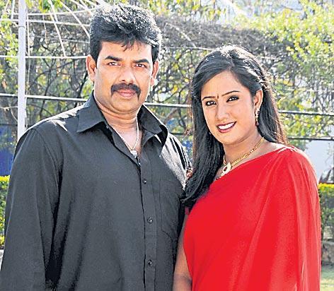 detective bhaskar hit by murder mystery - Sakshi