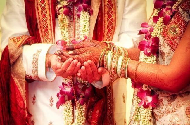Ranveer Singh - Deepika Padukone Ban Cell Phones At Their Italy Wedding? - Sakshi