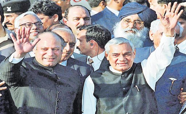 Shekhar Gupta Article On Atal Bihari Vajpayee Foreign Policy With Pakistan - Sakshi