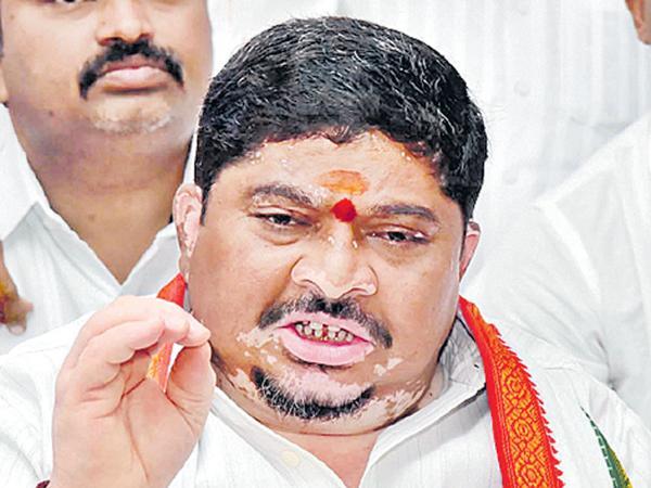 Ponnam Prabhakar fires on Minister Naini - Sakshi