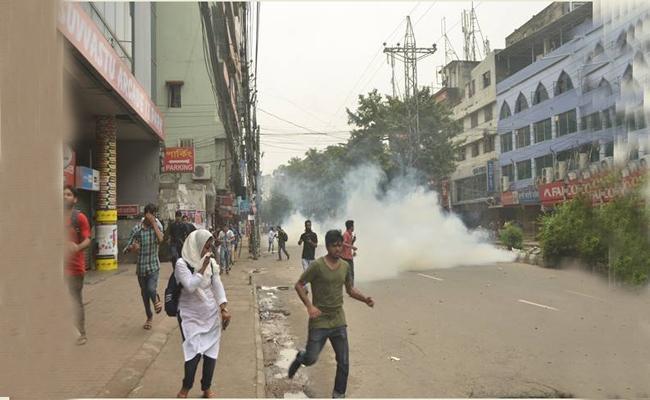 Six Killed In Bangladesh Clash  - Sakshi