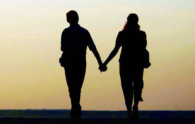 Minors lovers in Amalapuram - Sakshi