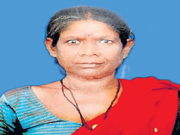 Woman died while preparing for surgery - Sakshi