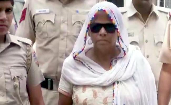 62 Years Old Woman Gangster Arrested In Delhi - Sakshi