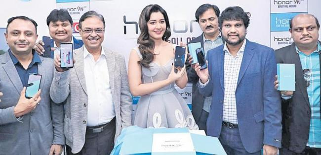 Honor 9 smart phone in Big C - Sakshi