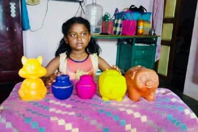 Tamilnadu Girl donates Piggy bank to kerala, cycle company makes her dream come true - Sakshi