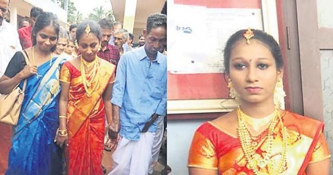 Amid grief, a wedding in Kerala relief camp - Sakshi