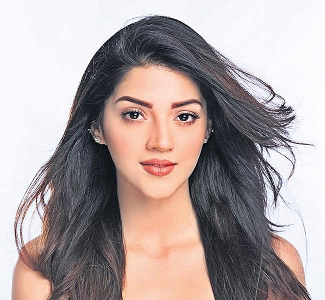 mehreen in bellamkonda srinivas new movie - Sakshi