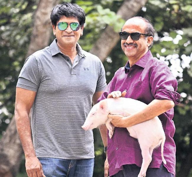 Dussehra release for Ravi Babu's Adhugo - Sakshi