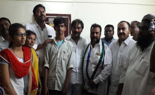 TDP Leaders Join In YSRCP In YSR Kadapa - Sakshi