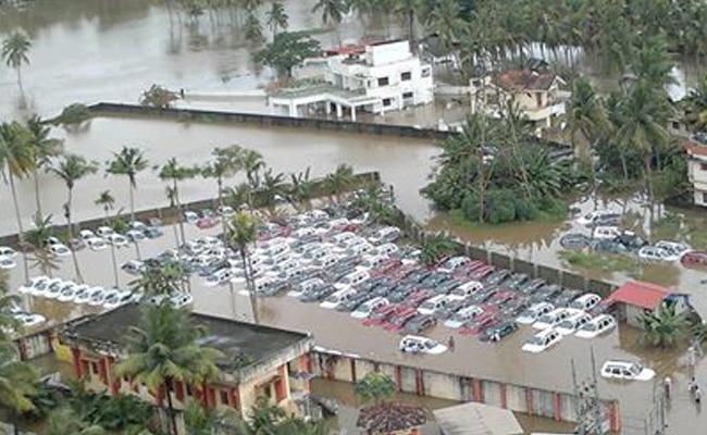 Fake News In Social Media On Kerala Floods - Sakshi