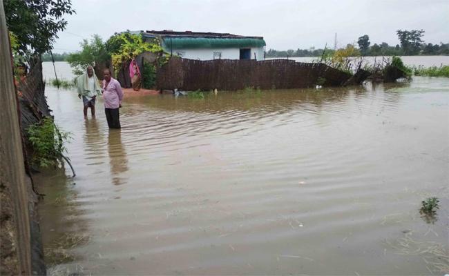 Heavy Rains In Adilabad - Sakshi