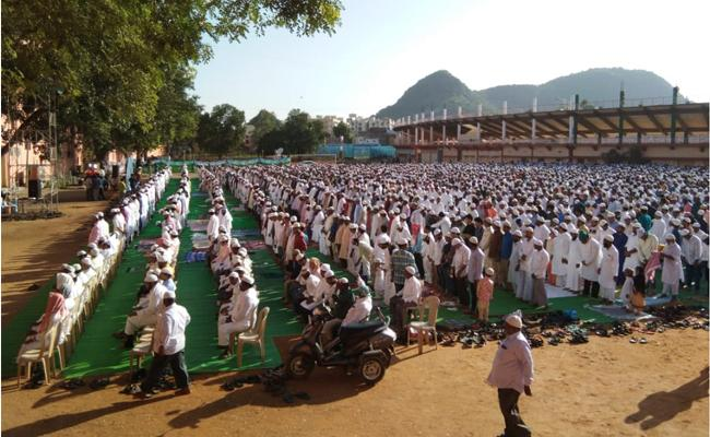 Bakrid Celebrations Doing Grandly in Telugu States - Sakshi